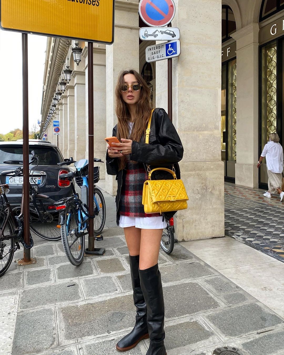 estelle-chemouny-tods-fall-2020-outfit-street-style