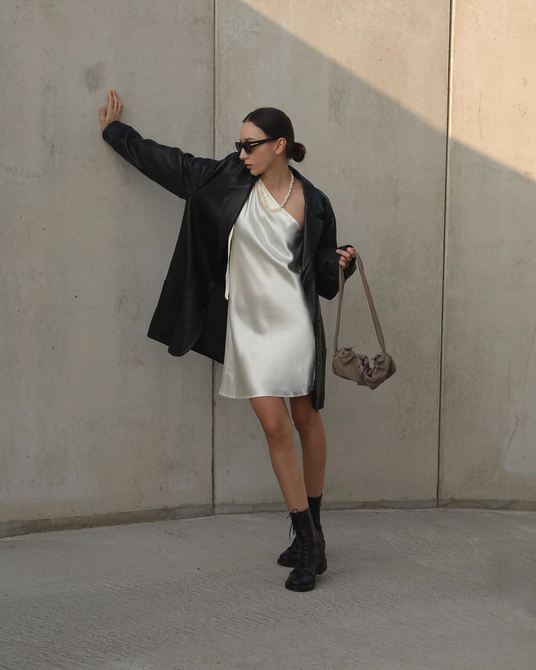 beatrice-gutu-vintage-oversized-leather-blazer-instagram