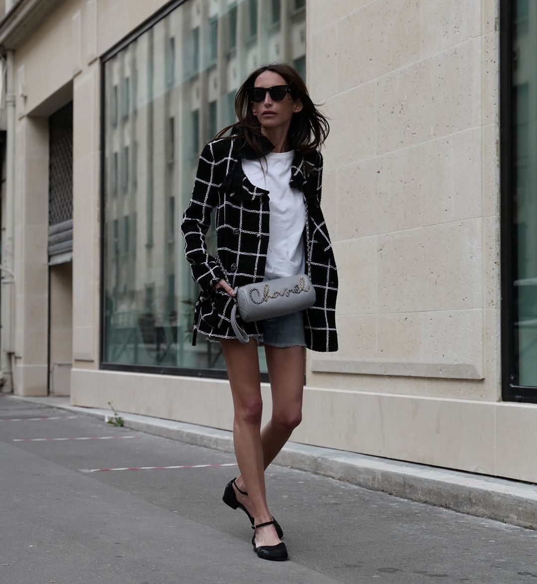 chloe-harrouche-chanel-black-white-tweed-jacket-instagram