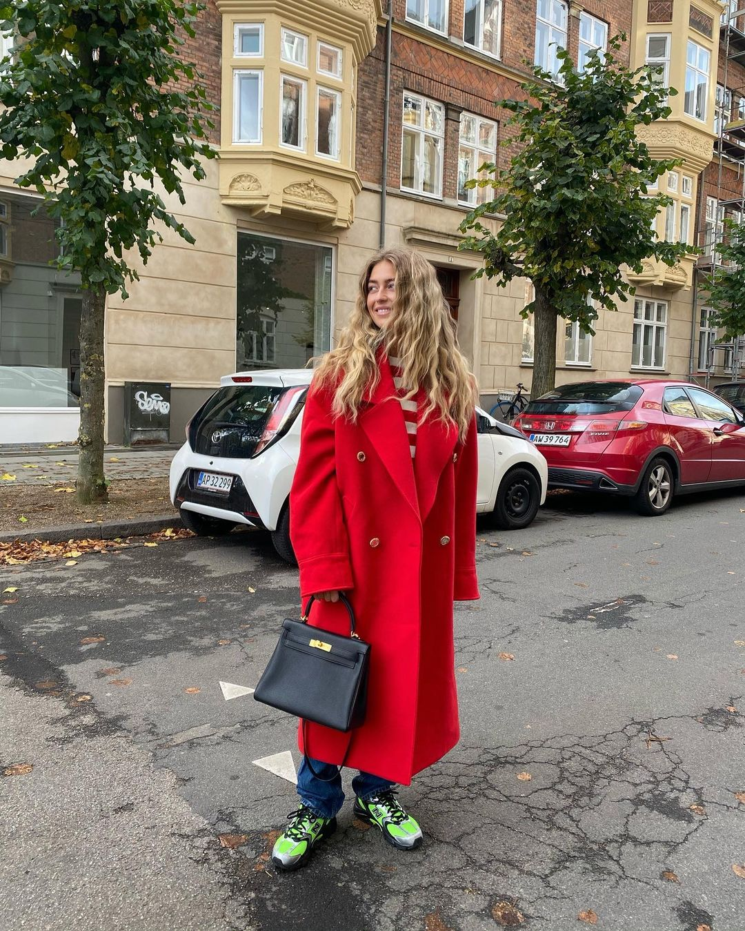 emili-sindlev-alessandra-rich-oversize-double-breasted-coat-red-instagram