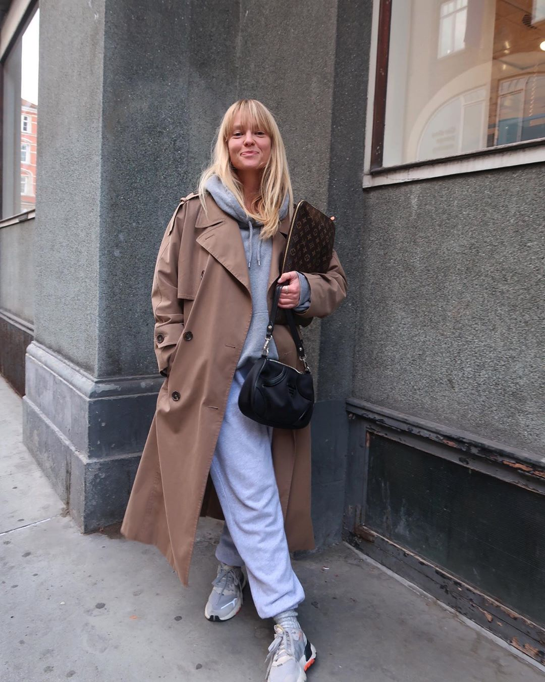 jeanette-madsen-frankie-shop-vanessa-cotton-trackpants-grey-trench-outfit-instagram