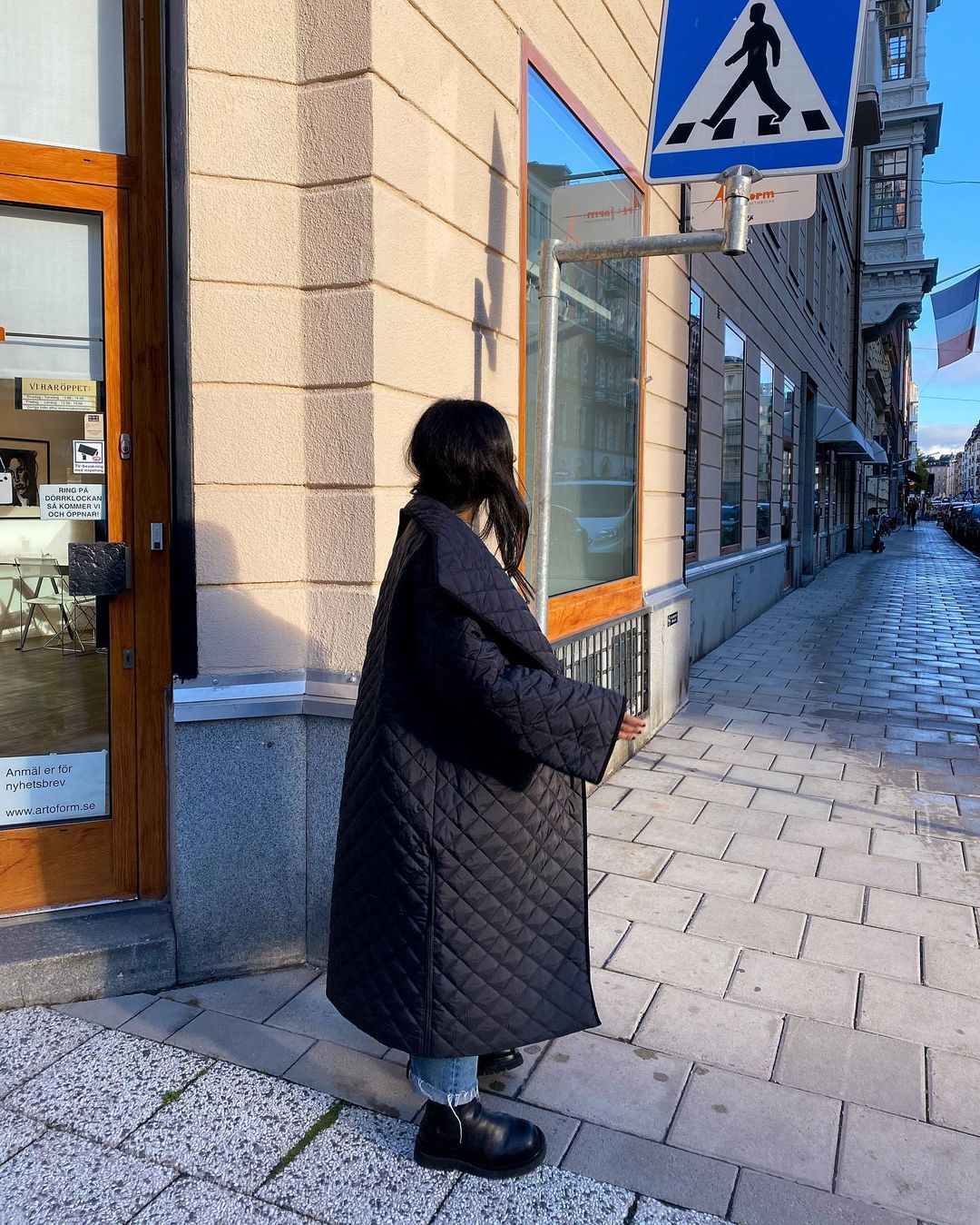 monikh-dale-toteme-annecy-oversized-quilted-padded-shell-coat-instagram