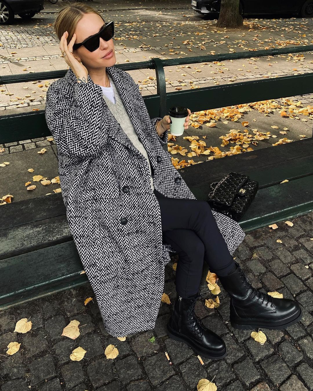 pernille-teisbaek-mango-cross-coat-instagram