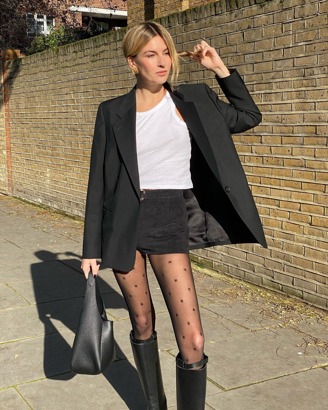 camille-charriere-chanel-logo-tights-fall-look-instagram