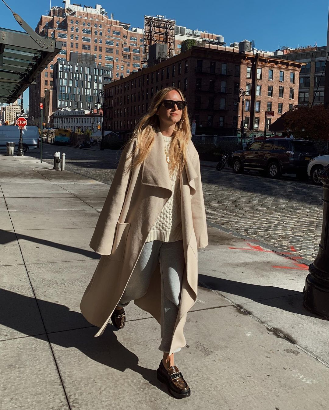 charlotte-groeneveld-frankie-shop-sweatpants-outfit-fall-instagram