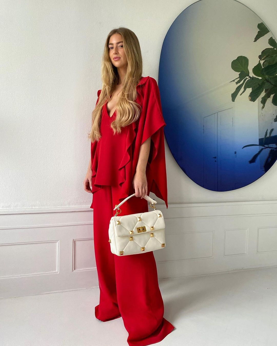 emili-sindlev-valentino-red-outfit-instagram