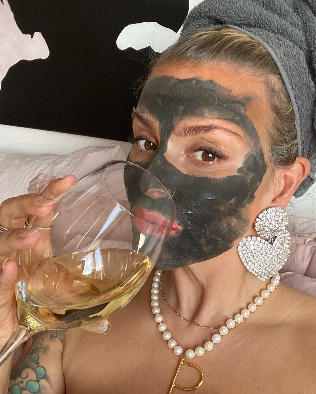 janka-polliani-clay-detox-face-mask-instagram