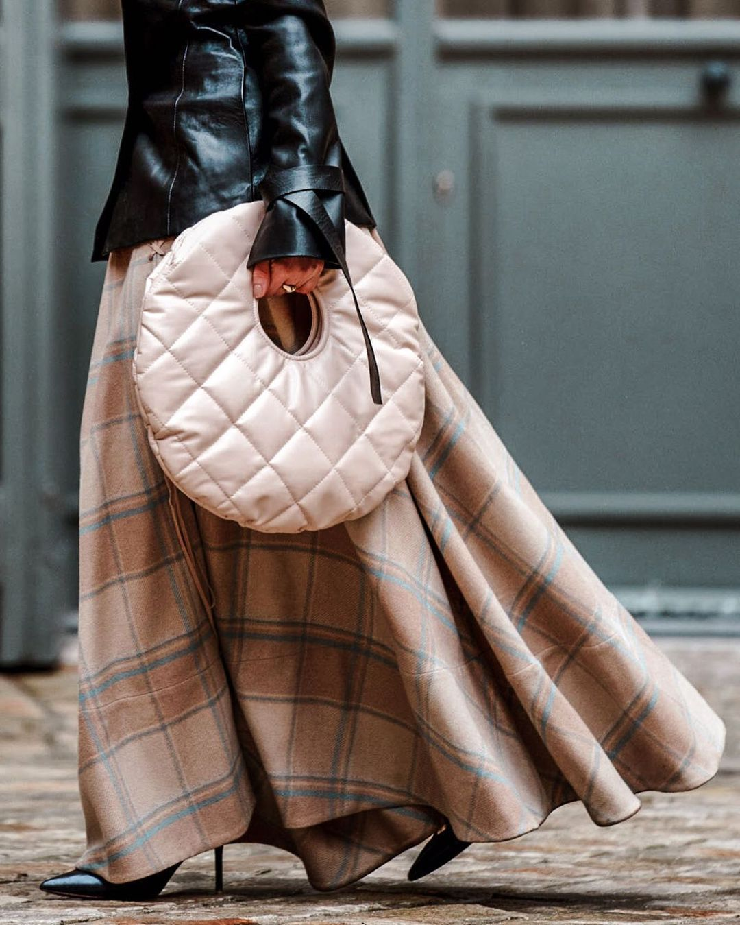 julia-comil-awake-mode-bo-quilted-clutch-bag-instagram