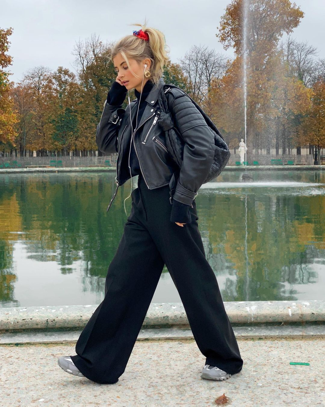 xenia-adonts-dad-pants-fall-outfit-instagram