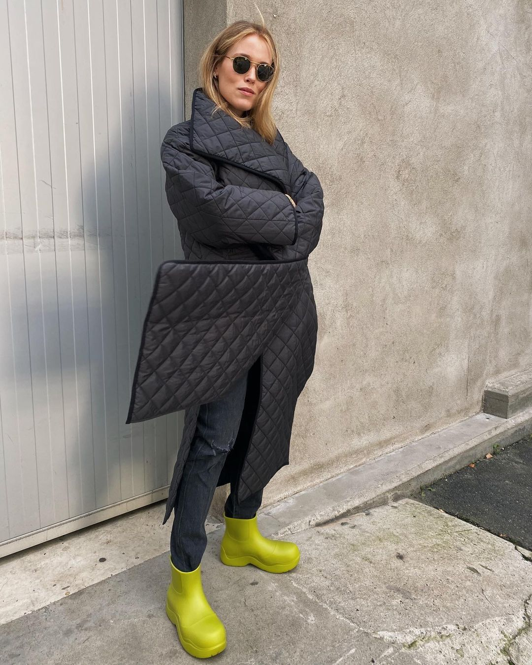 annabel-rosendahl-toteme-annecy-oversized-quilted-padded-shell-coat-black-instagram