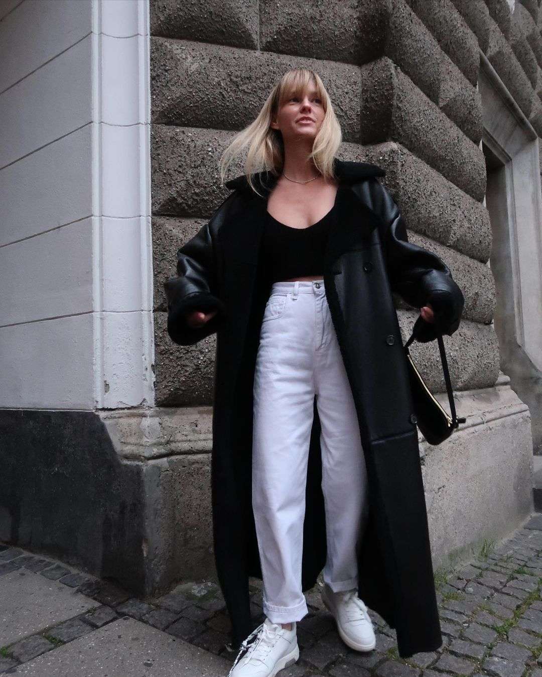 jeanette-madsen-off-white-out-of-office-senakers-instagram