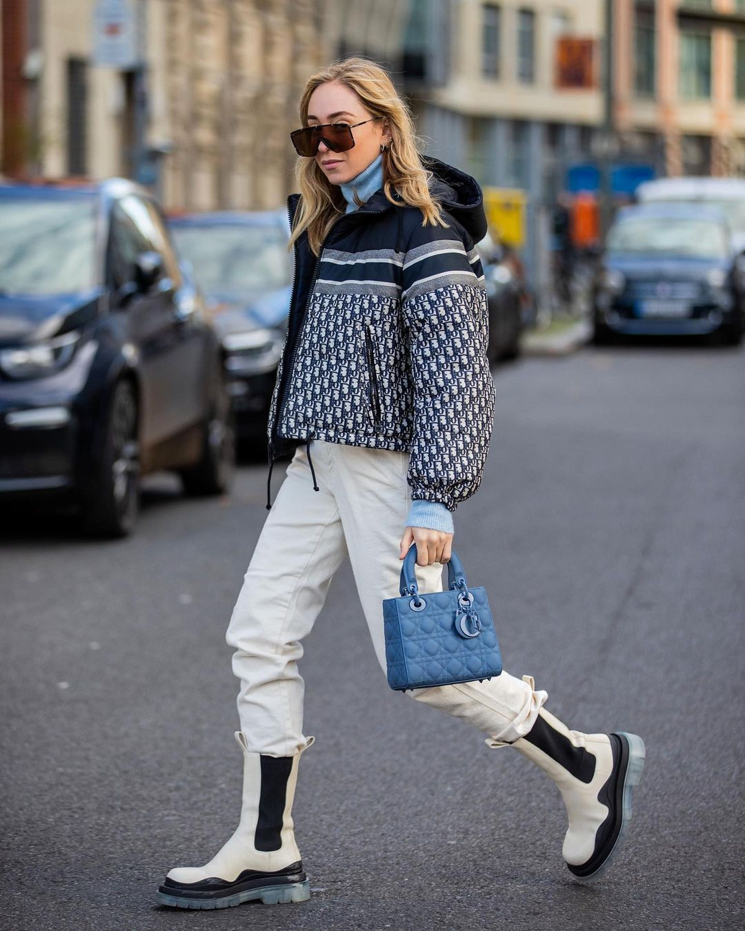 sonia-lyson-dior-reversible-cropped-down-jacket-blue-and-ecru-instagram
