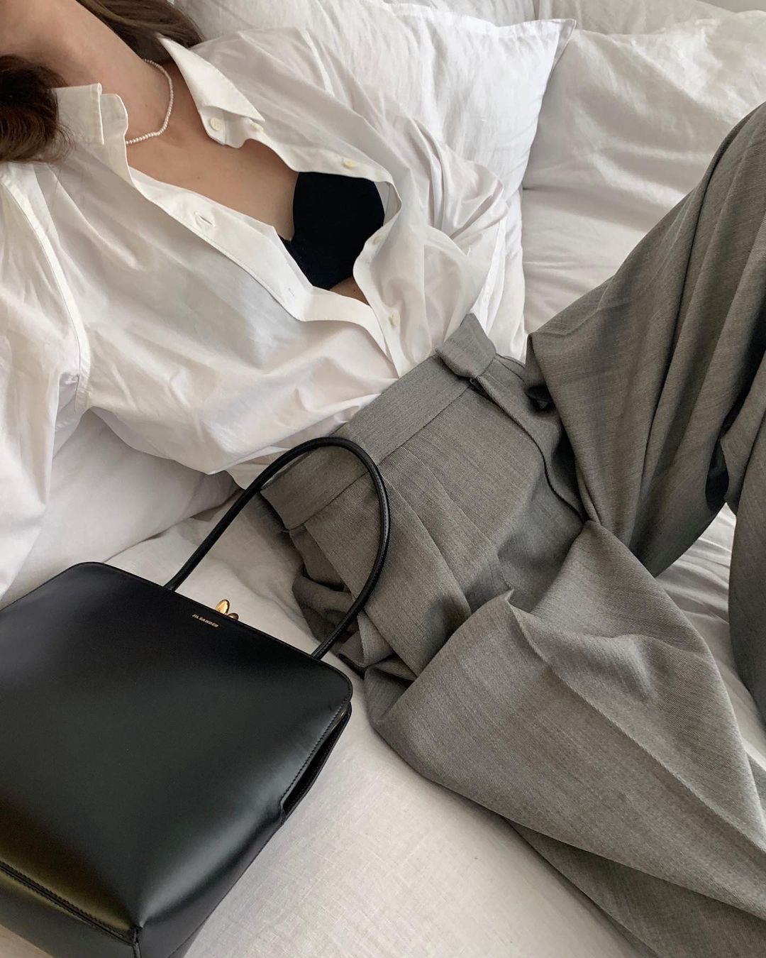 beatrice-gutu-jw-anderson-tailored-trouser-instagram