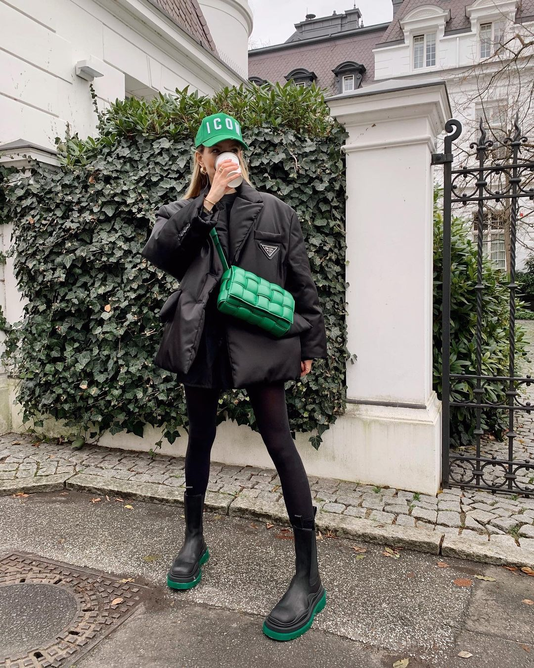 leonie-hanne-bottega-veneta-padded-cassette-bag-green-instagram