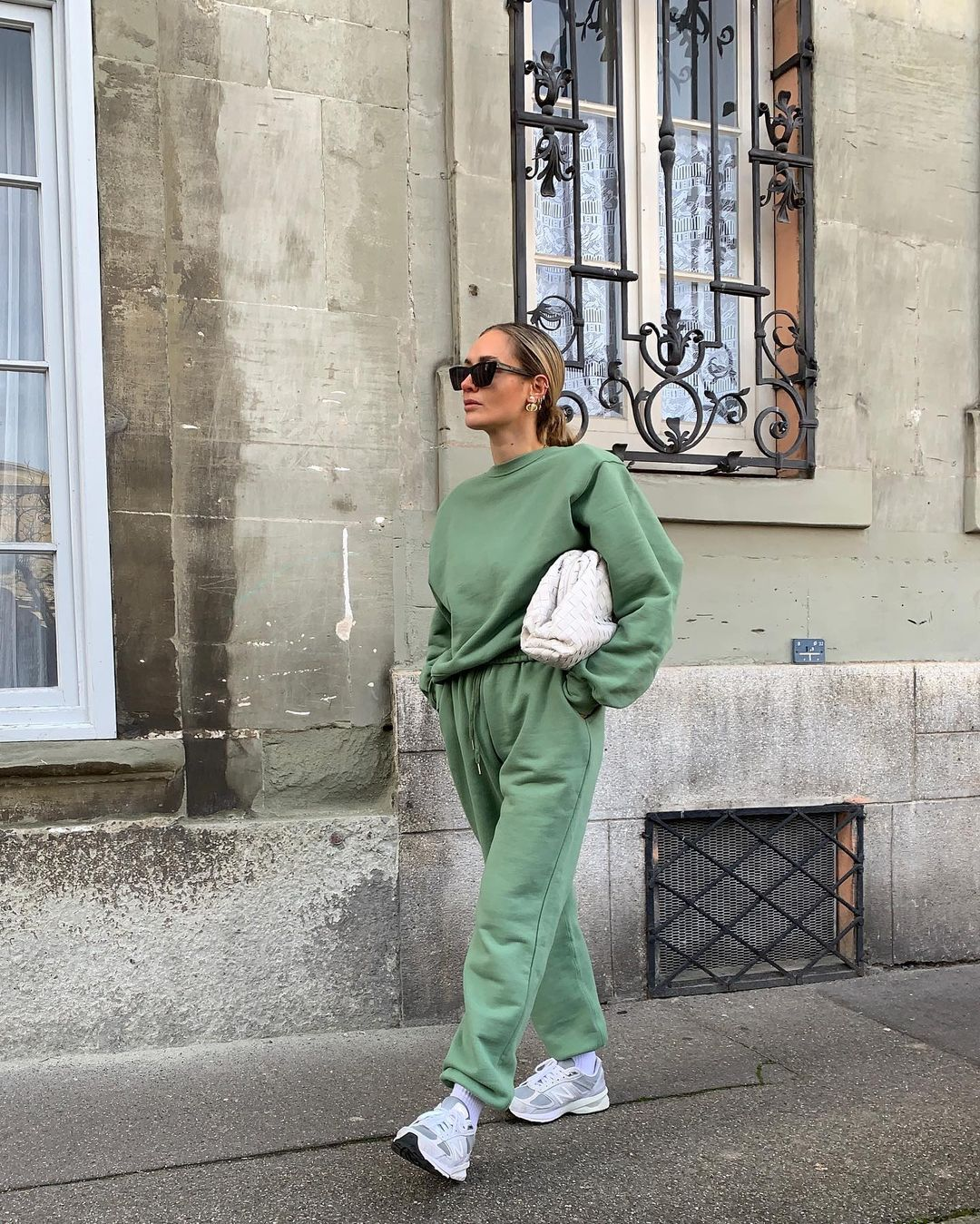 olivia-faeh-frankie-shop-vanessa-tracksuit-mossy-green-instagram