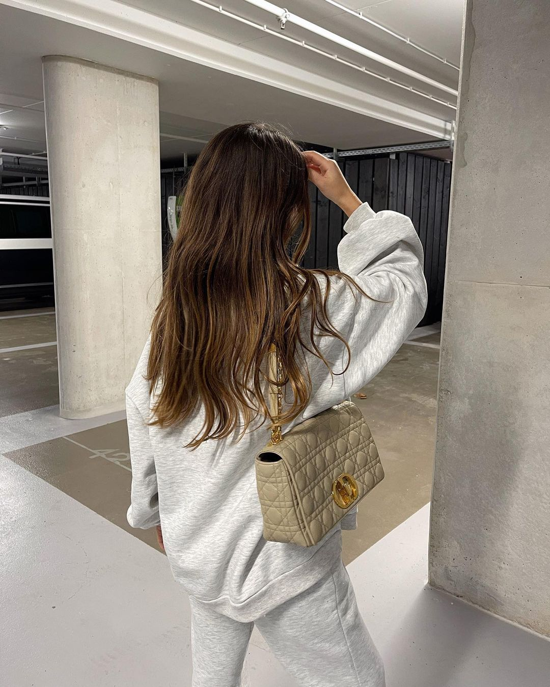 bruna-bear-large-dior-caro-bag-beige-instagram