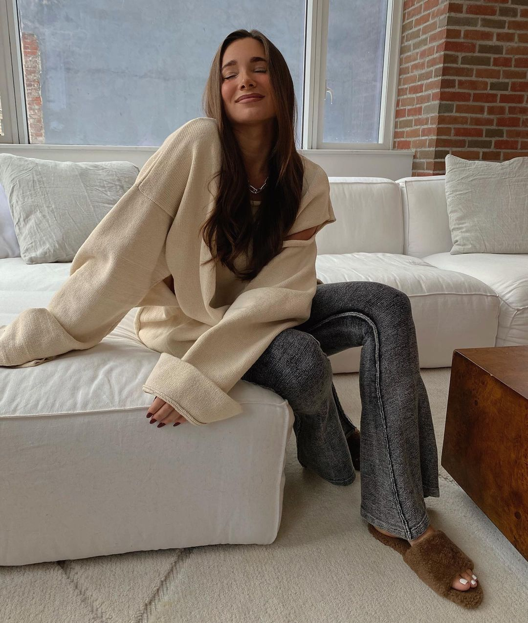 danielle-bernstein-porte-and-paire-shearling-slides-instagram
