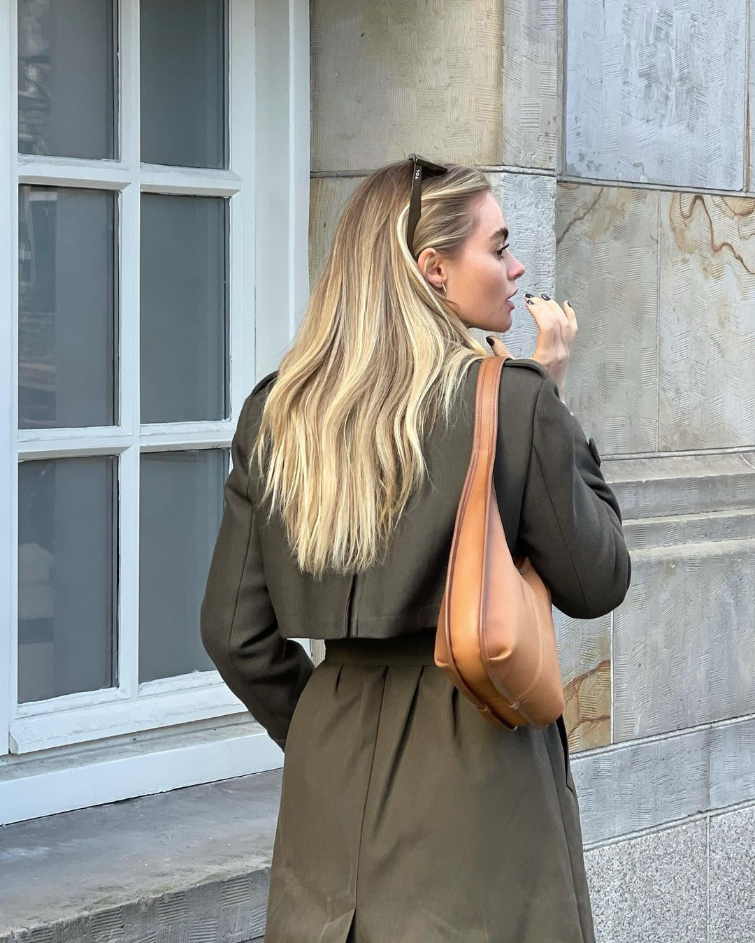 claire-rose-cliteur-coach-ergo-bag-instagram
