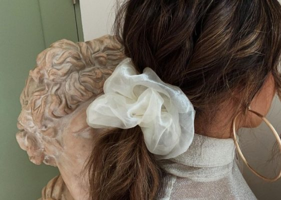 Fashion girls can't stop wearing this 90's hair accessory