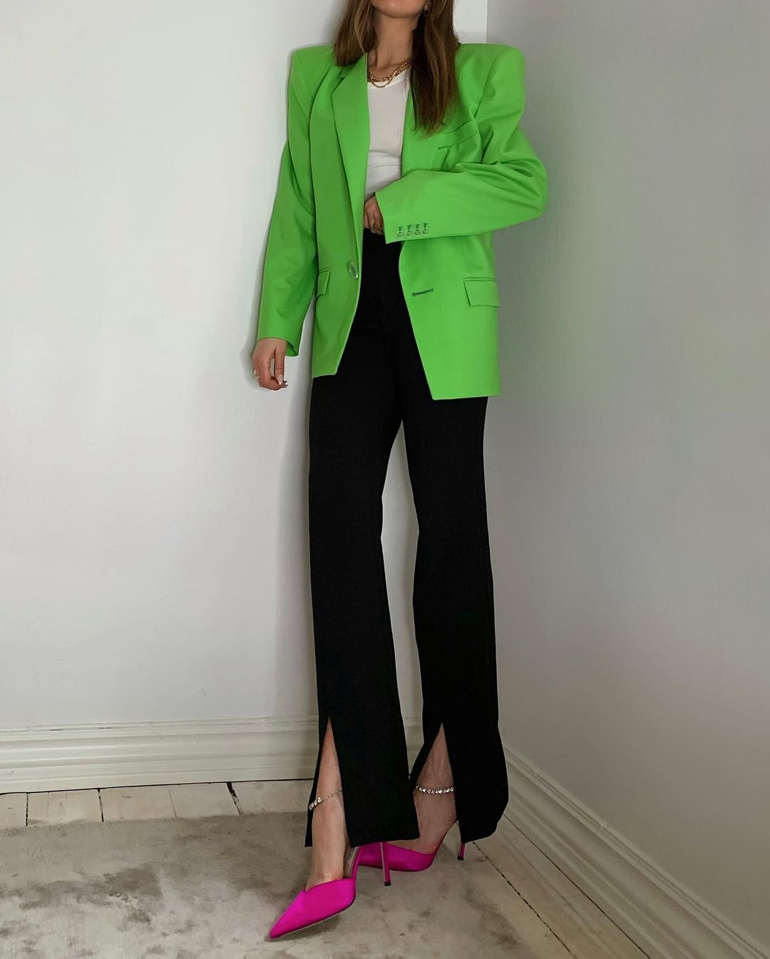 darja-barannik-the-attico-stretch-wool-gabardine-blazer-green-instagram