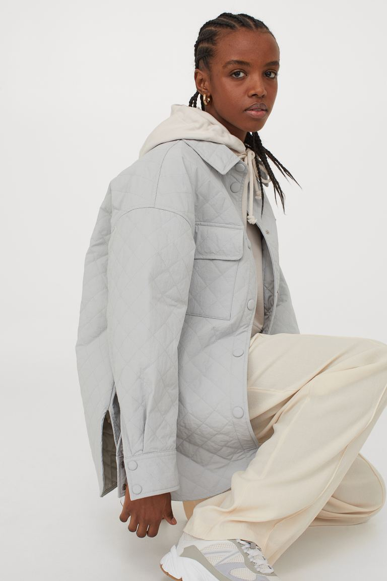 hm-quilted-shirt-jacket-light-gray