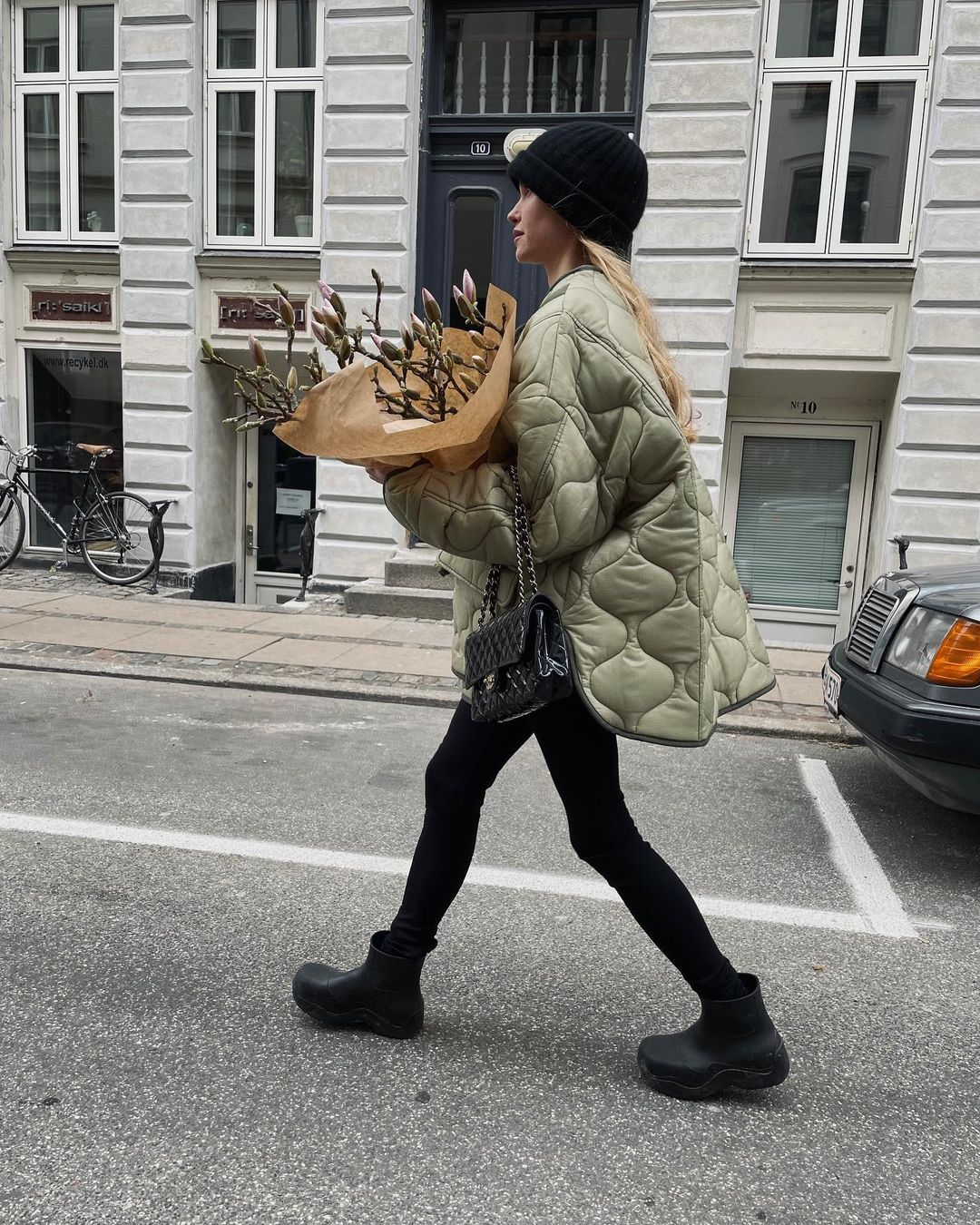 pernille-teisbaek-frankie-shop-oversized-collarless-quilted-jacket-moss-green-instagram