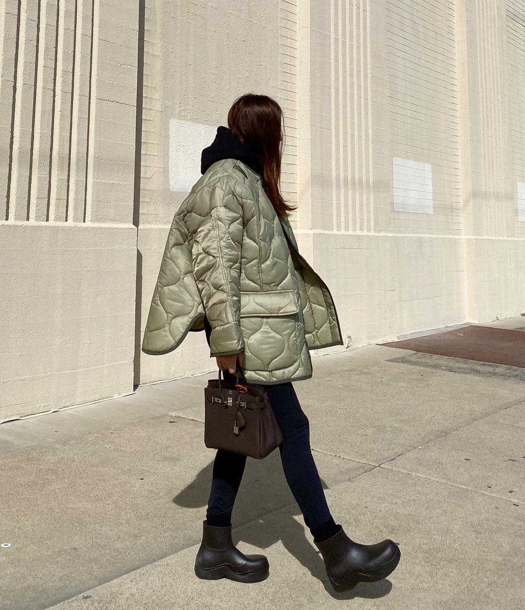 a-typelist-the-frankie-shop-oversized-collarless-quilted-jacket-moss-green-instagram