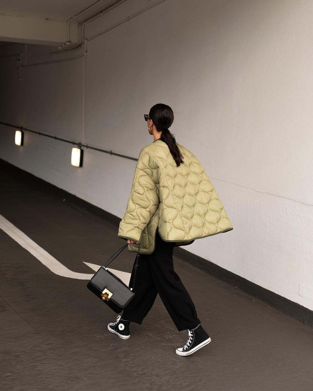 jessica-skye-frankie-shop-oversized-collarless-quilted-jacket-moss-green-instagram