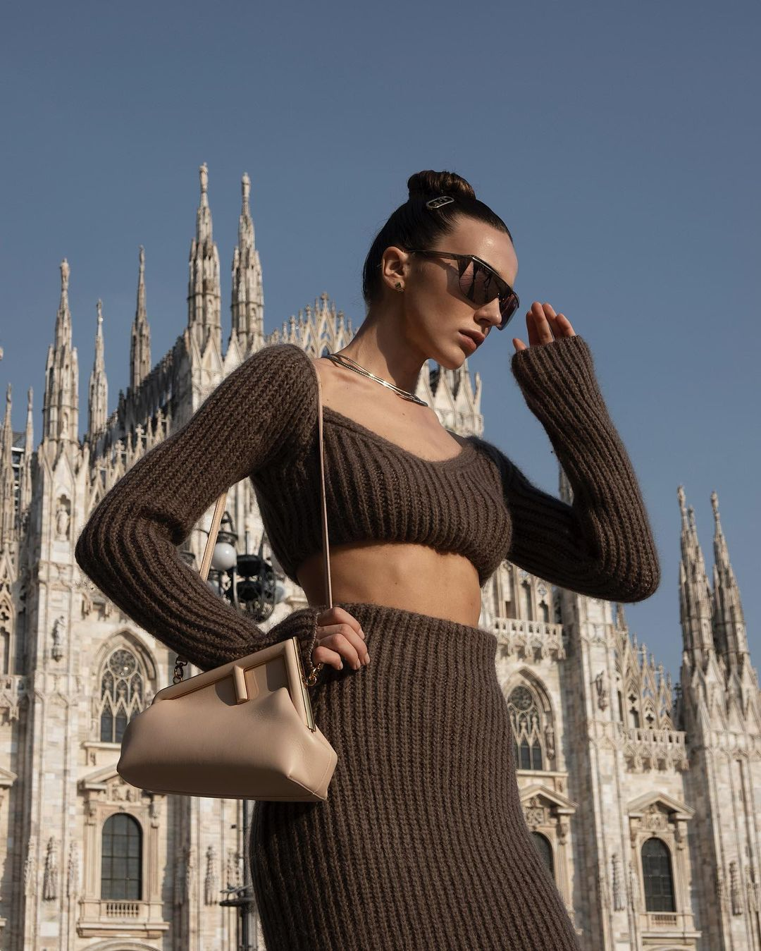 mary-leest-fendi-off-the-shoulder-cropped-ribbed-knit-top-instagram