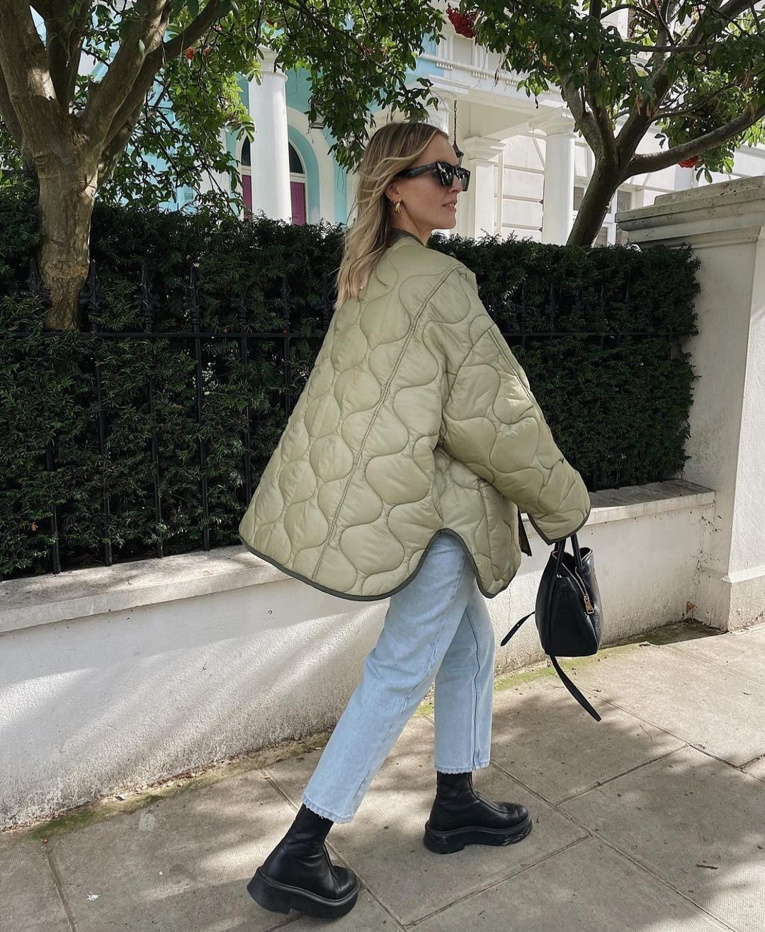 polly-sayer-frankie-shop-oversized-collarless-quilted-jacket-moss-green-instagram