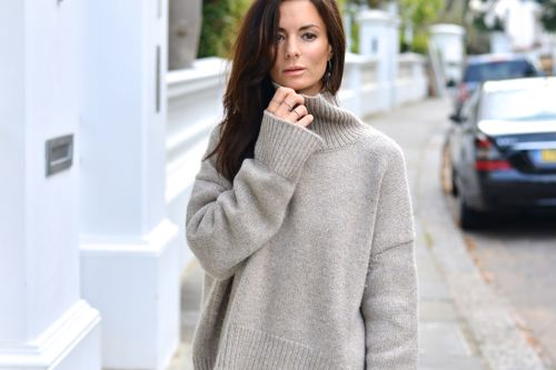 How to Wear Sweaters Without Looking Fat